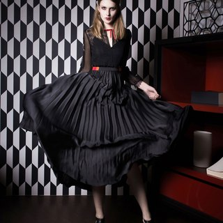 [New autumn and winter] pleated black lace dress Black Lace Pleated Dress