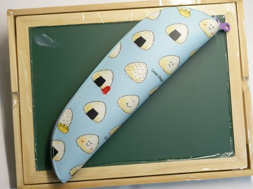 Play cloth hand made. Triangular rice balls (blue) carry bags tableware (Extra Edition)