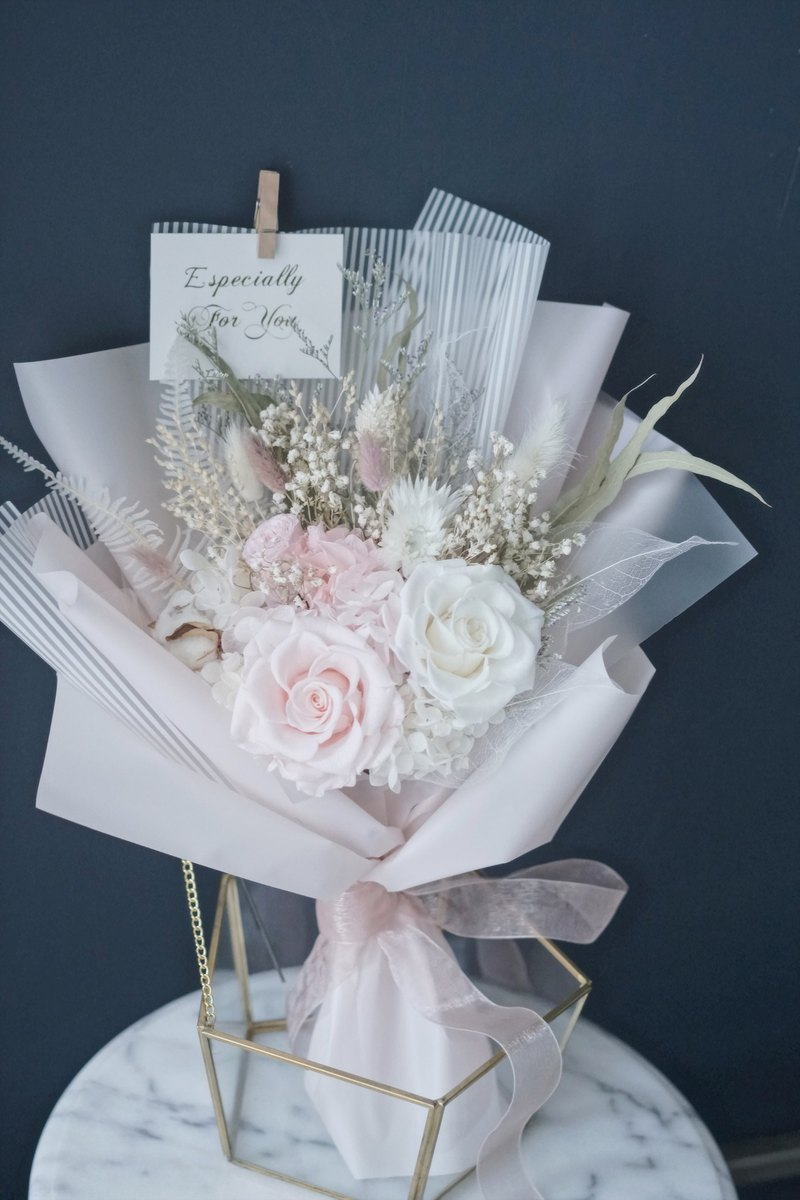 Valentine's Day gift pink color Japan imported eternal flower rose bouquet not withered flowers birthday proposal confession bouquet