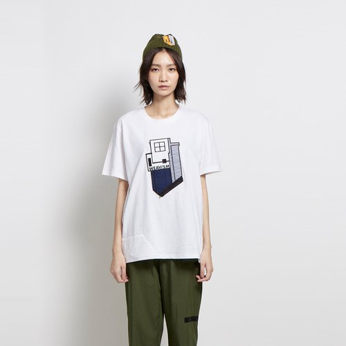 Home - Hut patch pocket embroidery Tee - white