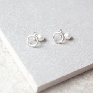 Classic minimalist Swarovski pearl 925 sterling silver earrings
