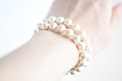 Two bracelets of the 8mm cotton pearl magnet