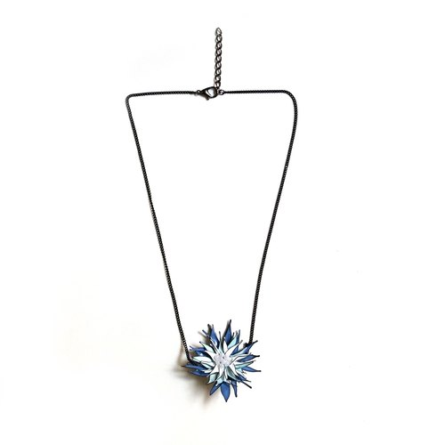Multi colour wire gerbera pendant necklace