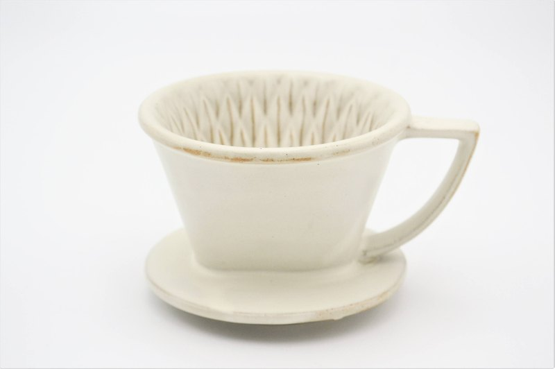 Customer's polite white fan-shaped cutting filter cup 102