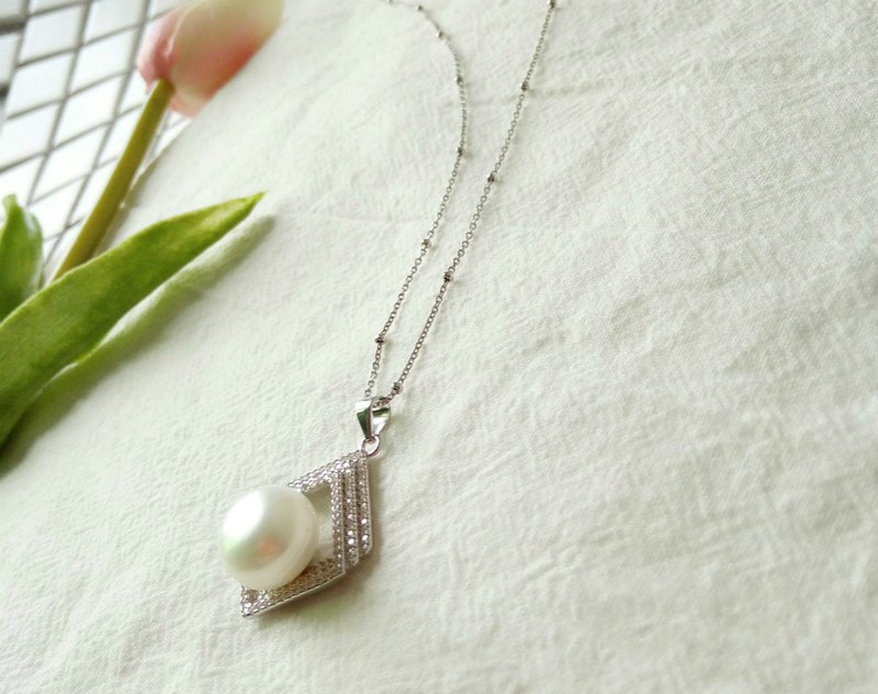 Fashion Large Pearl Silver Necklace Necklace Exquisite Luxury Diamond Pearl Pendant Modern Personality Bead Clavicle Chain Necklace
