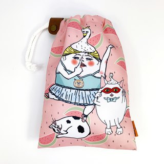 Piglet Diva with cats / drawstring Pouch
