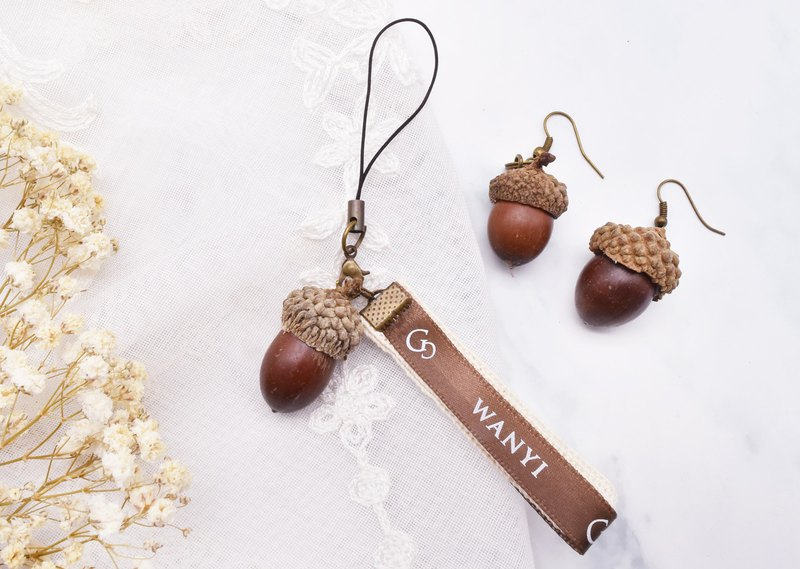Pinecone Acorn Fruit Earrings Charm Dry Flower / Gifts / Wedding Small Things / Graduation Gift / Retro