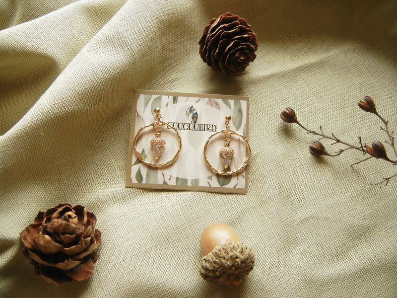*coucoubird*zircon acorn earrings