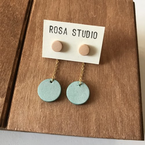 Leather earrings _ ear pin _ small round 4 works _ solid circle _ original skin with mint green