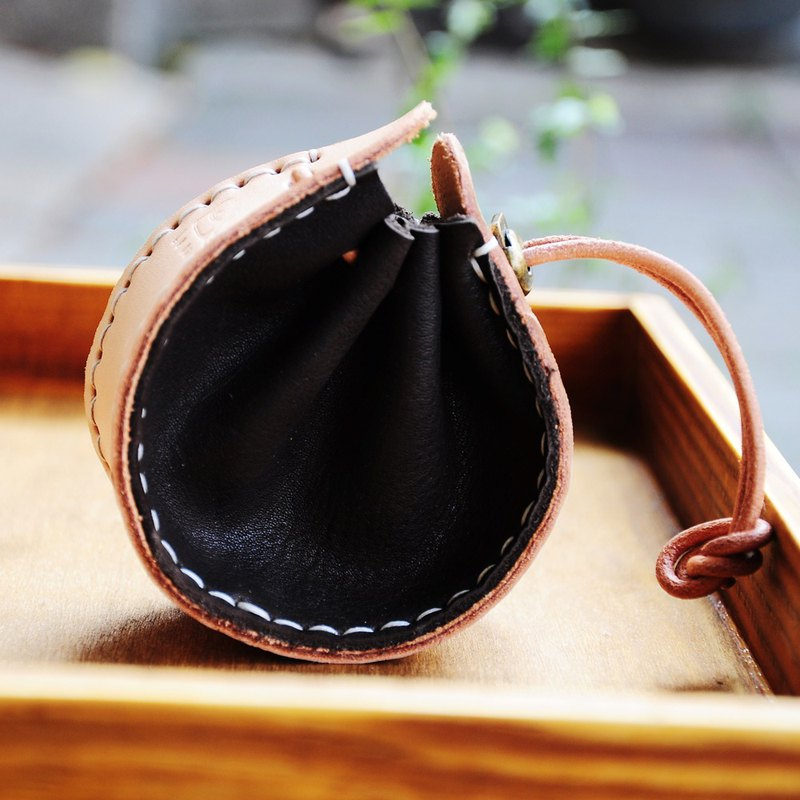 Genuine leather drawstring purse / changeable neck strap