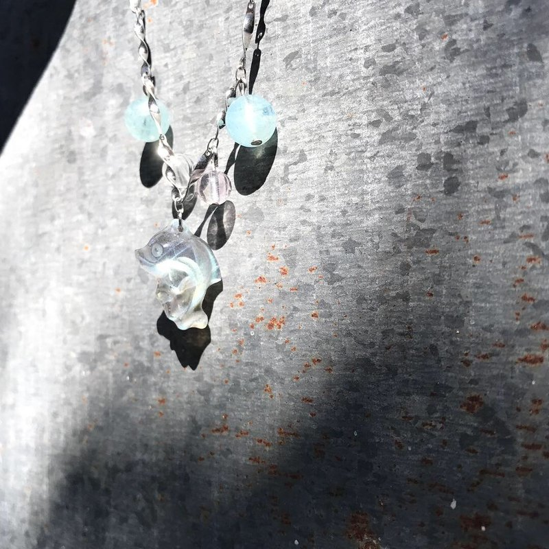 [Lost and find] natural stone labradorite dolphin necklace