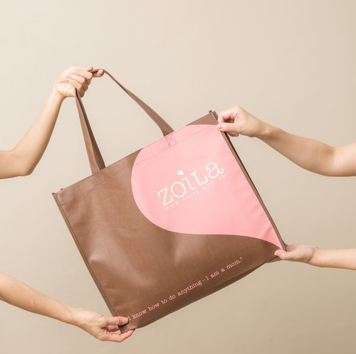 Intimate gift bag / non-woven material