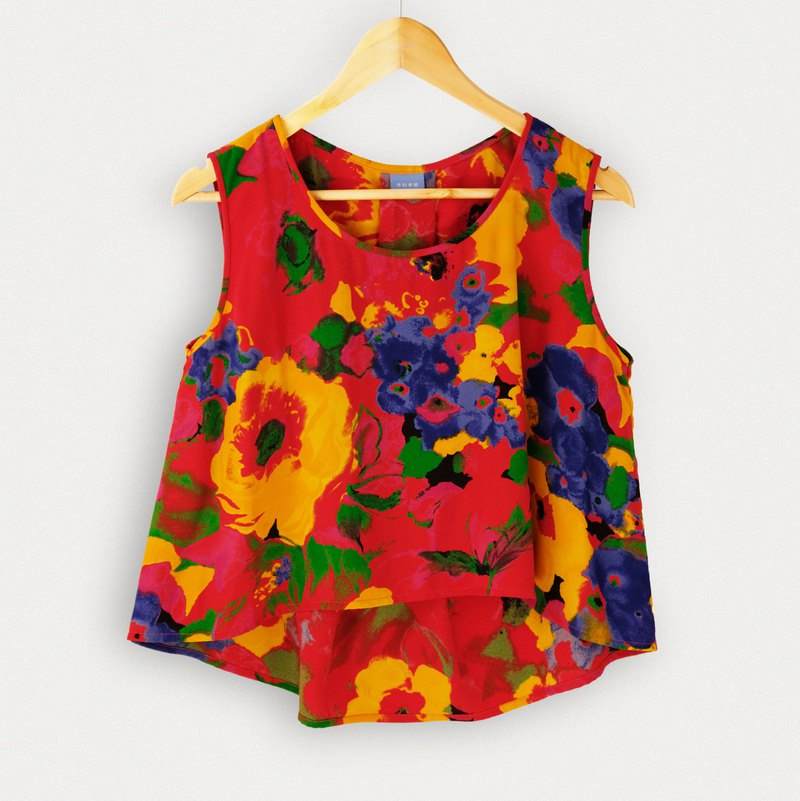 Spring/Summer / Passionate Blooming Garden Sleeveless Top