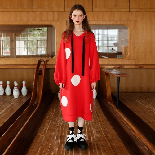 Red air white little hooded dress - imakokoni