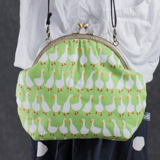 [My old swan - green bottom] retro metal mouth gold bag - wealthy # portable bag # cute # funny funny # fat chubby