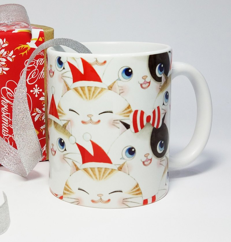 Christmas Mug - (Three cats have Christmas)*Your Christmas gift*is expected to be added