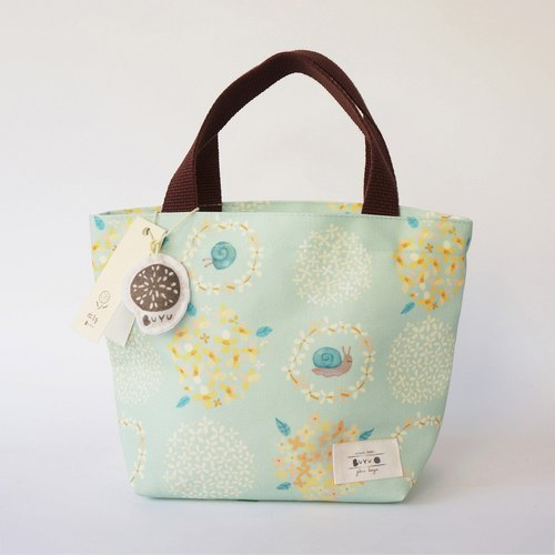 Life series –Tote bag - the taste of Ixora flowers(snail)