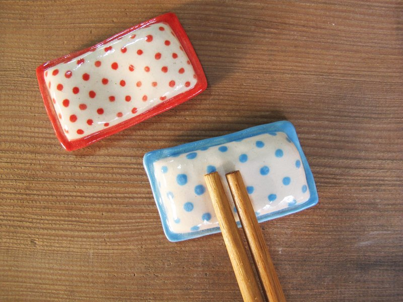 Dot shape pillow chopsticks holder