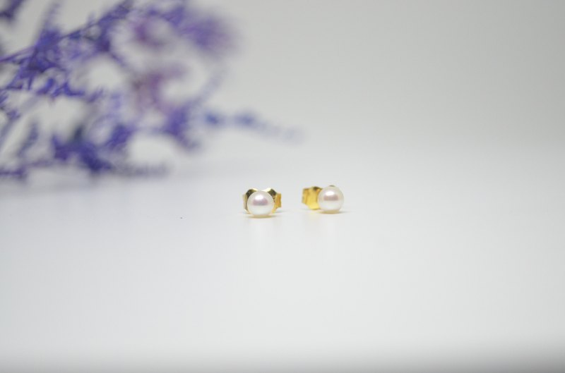 June birth stone belt powder round pearl 18K earrings