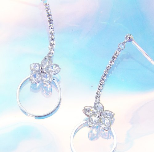 Flower movement pendant earrings