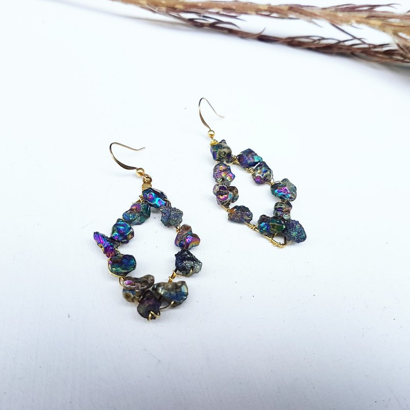 Exclusively sold color quartz stone-shaped copper hand made _ earrings