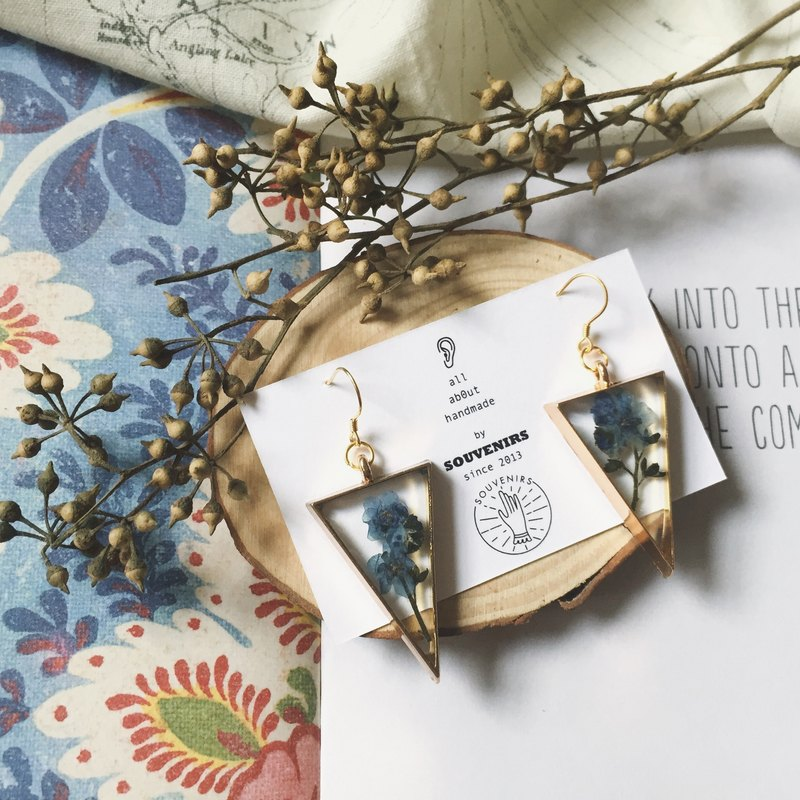 | Souvenirs | Hand-embossed flower-inverted triangle Blue forget-me-not 925 gold-plated fresh earrings