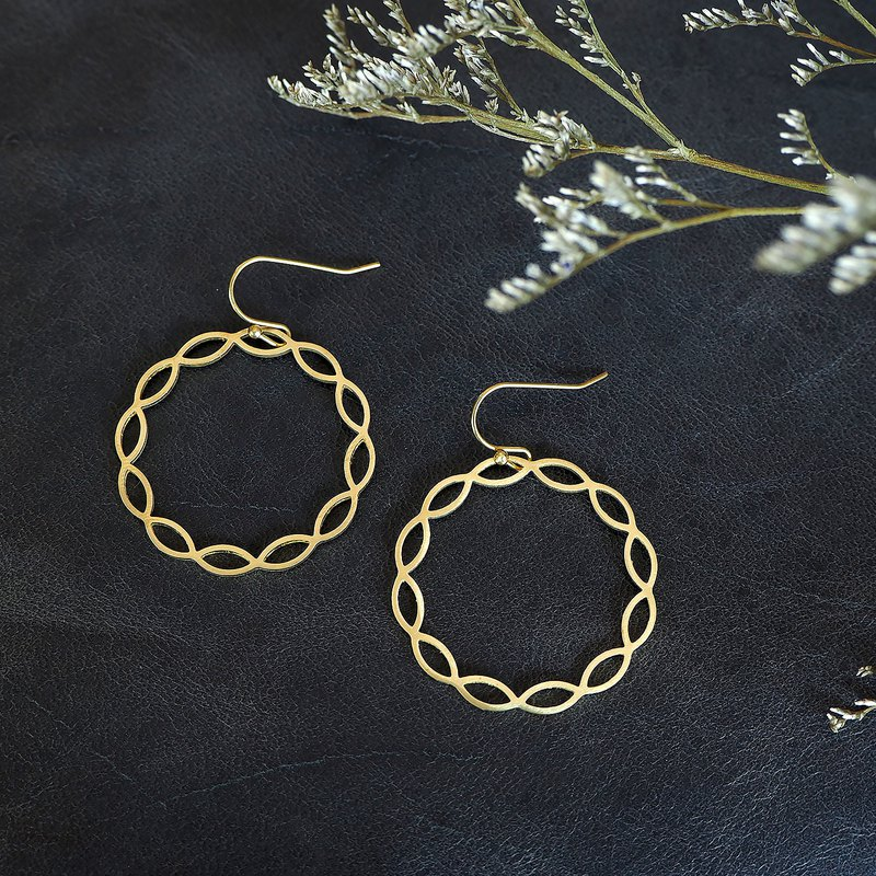 Round abstract earrings (Brass Handmade)