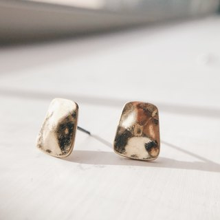 Distressed square curved piece - old gold ear earrings (pair) [can be changed ear clip]