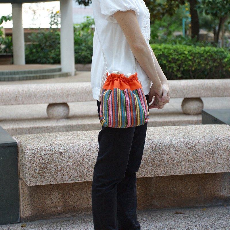 三合一肩背/斜背/手提束口水桶包 ~ 彩色民族條子(A24)