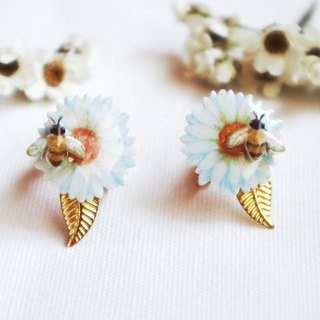 Bee and flower earrings ear clips