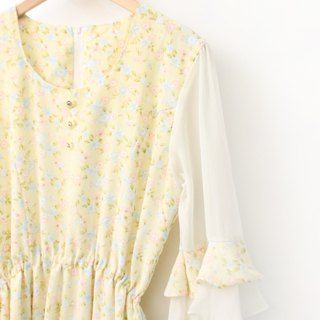 Vintage Romantic Sweet Beige Small Floral Seven-Sleeve Sleeve Sleeve Vintage Dress Vintage Dress