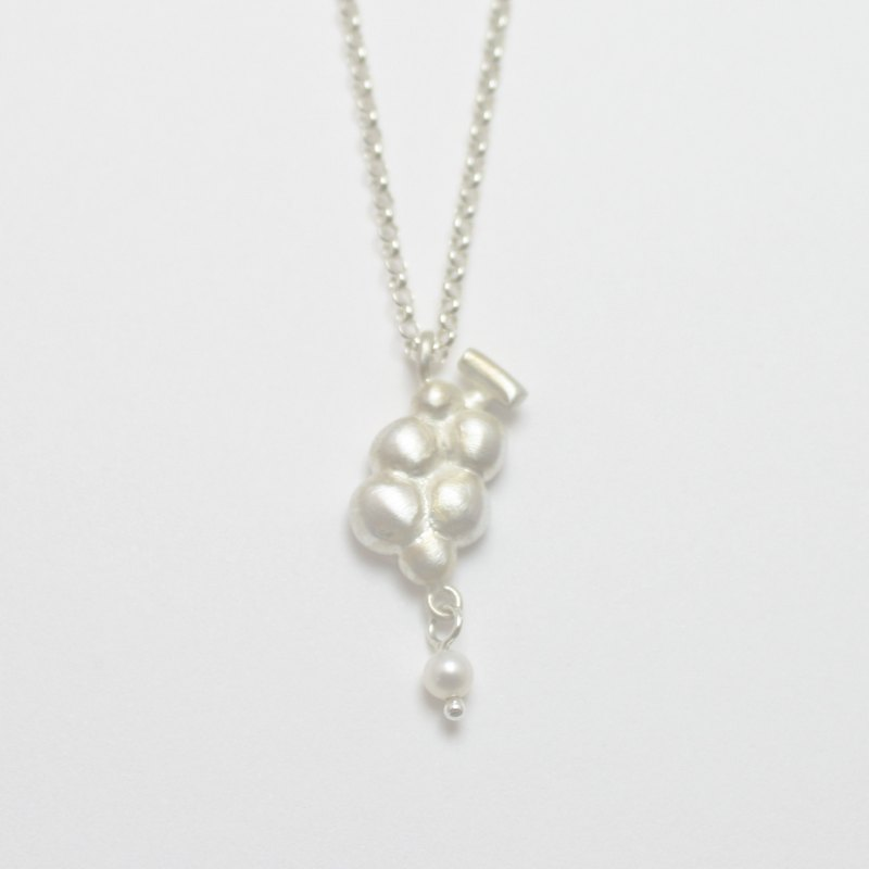 Grapes Pearl Necklace