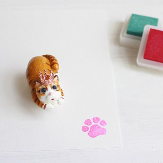 PearlCatCat x Handmade J | Tiger cat soft clay with a single meat ball seal