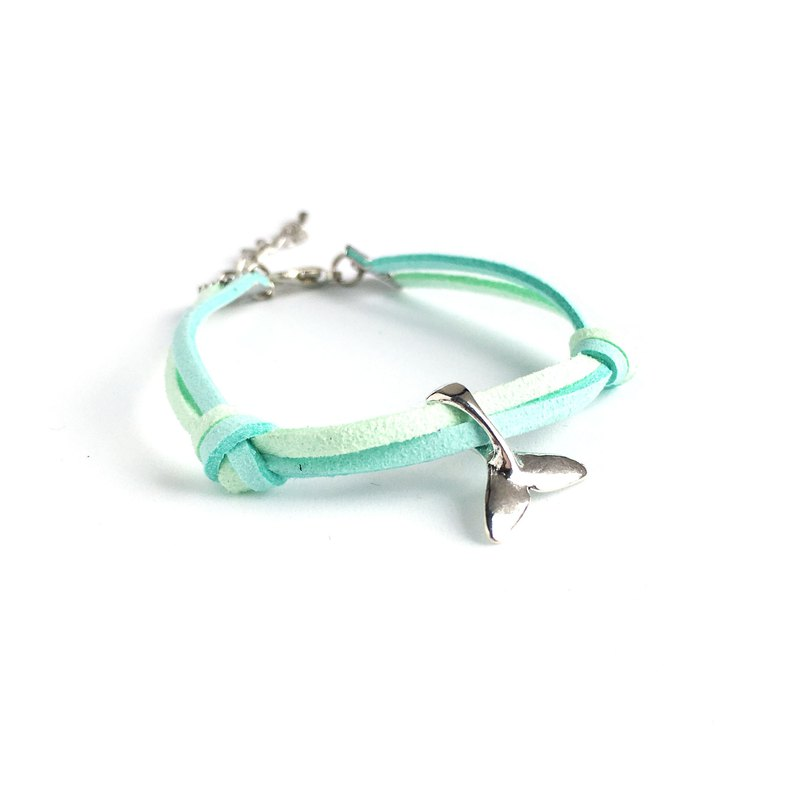 Handmade Simple Stylish Fish Tail Bracelets–light blue