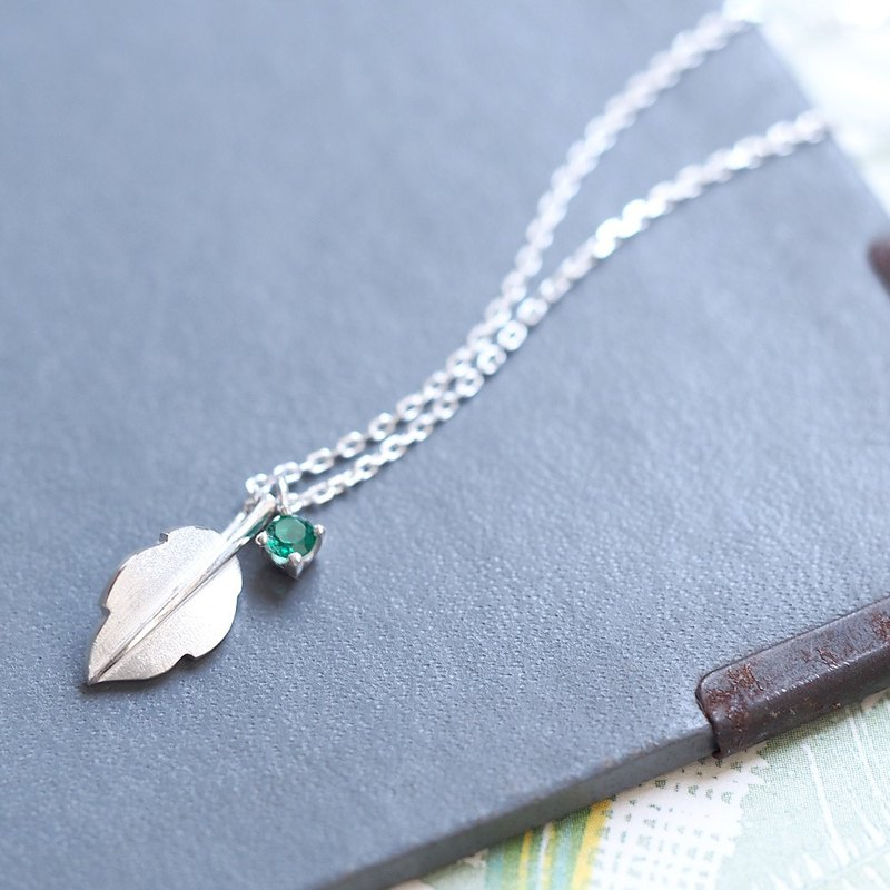 Emerald leaf necklace silver 925