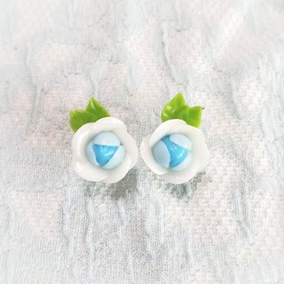 Q version of flower ear clip earrings