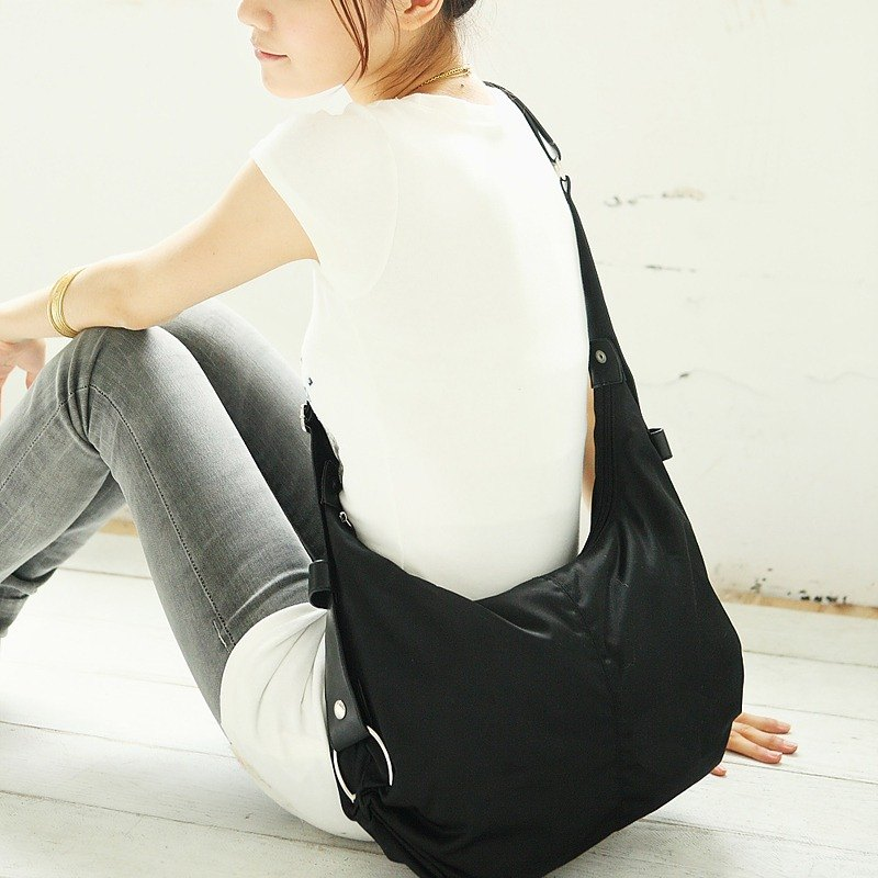 Small meniscus shoulder bag (long and short straps can be exchanged) - black _198016