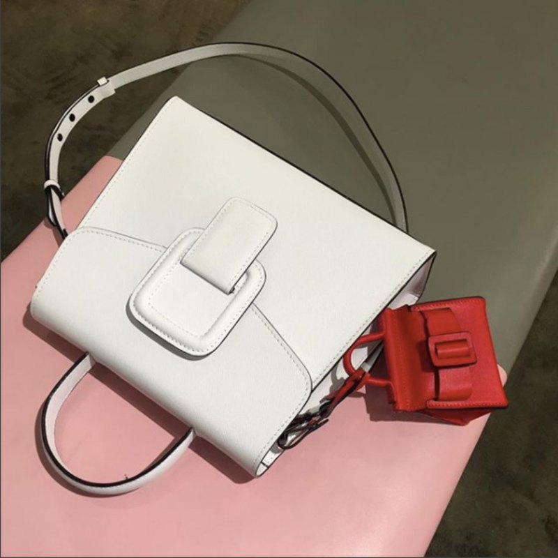 PINCH NO.1 (White 26 cm) Classic and Iconic Leather Handbag/Crossbody
