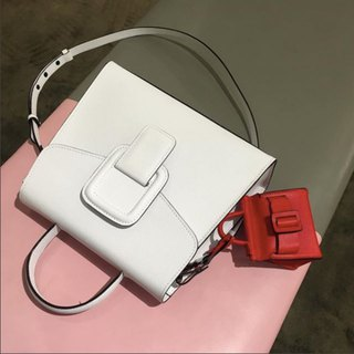 PINCH NO.1 (White 26 inches) Classic and Iconic Leather Handbag/Crossbody