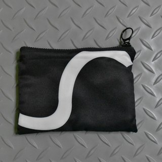 Black and white geometric wallet