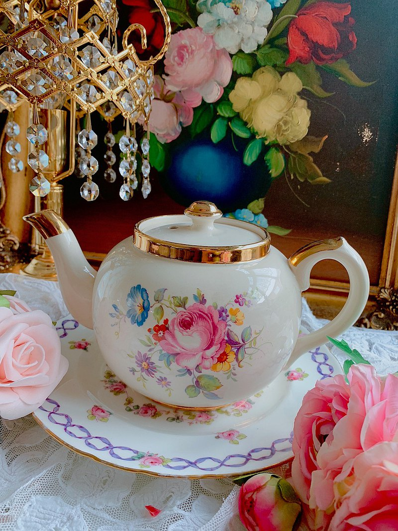 Made in England in 1950, hand-painted flowers painted antique flower teapot coffee pot complete beautiful