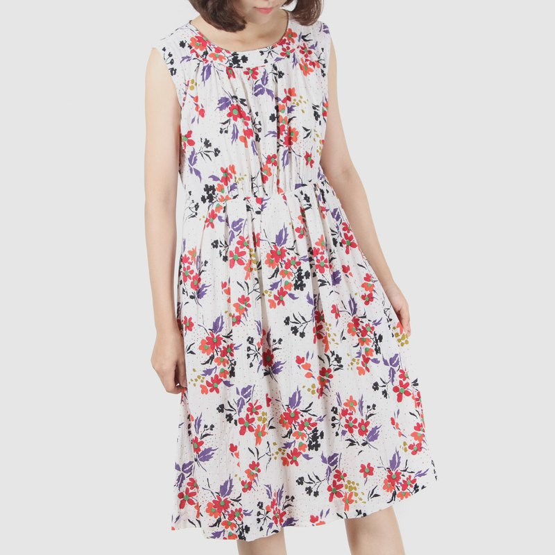 [Egg plant ancient] white 昼 spring painted printed sleeveless vintage dress