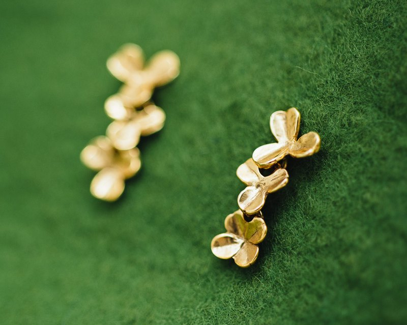 Four leaf clover gold earrings - three leaf and four leaf clovers - Japanese