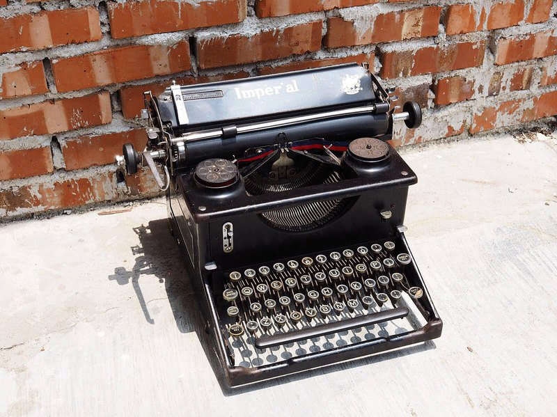 British 1920's Imperial antique typewriter