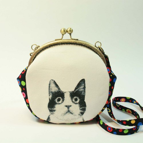 Embroidery 16cmU mouth gold oblique bag 01 - black and white cats