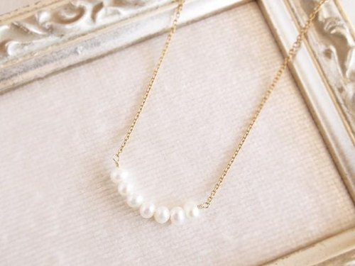 14KGF Crescent Pearl Necklace