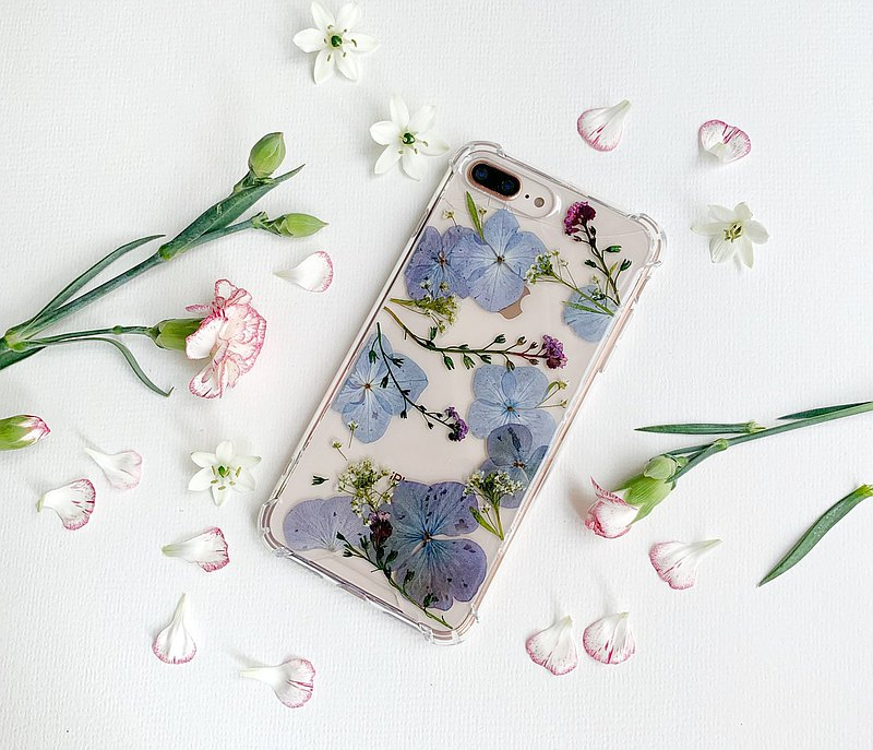 Cozy Cloud - pressed flower phone case
