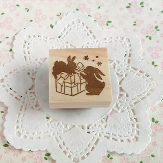 2 rabbits and gift eraser for gifts