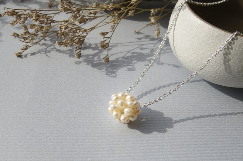 Retouching ReShi / Small Fresh Series / Pearl Ball Necklace / 925 Sterling Silver