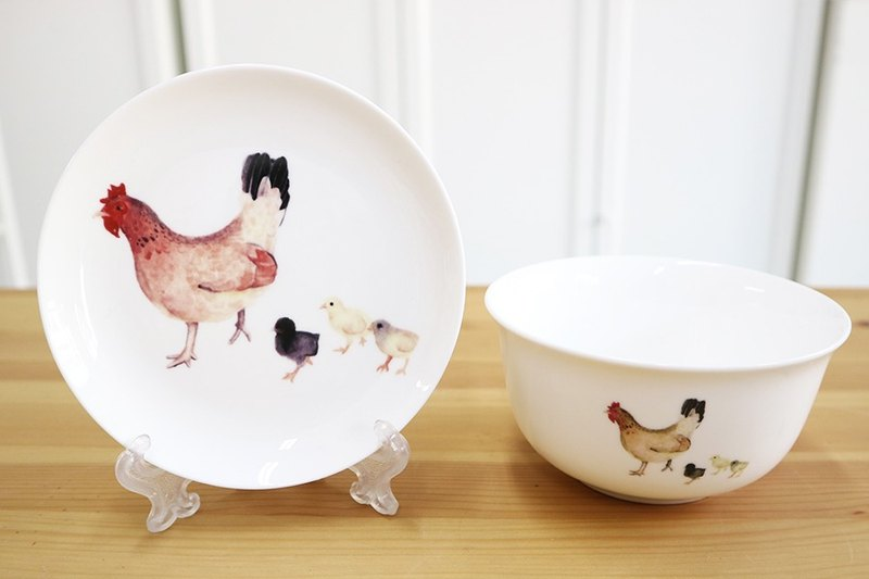 Hen with chick dish set